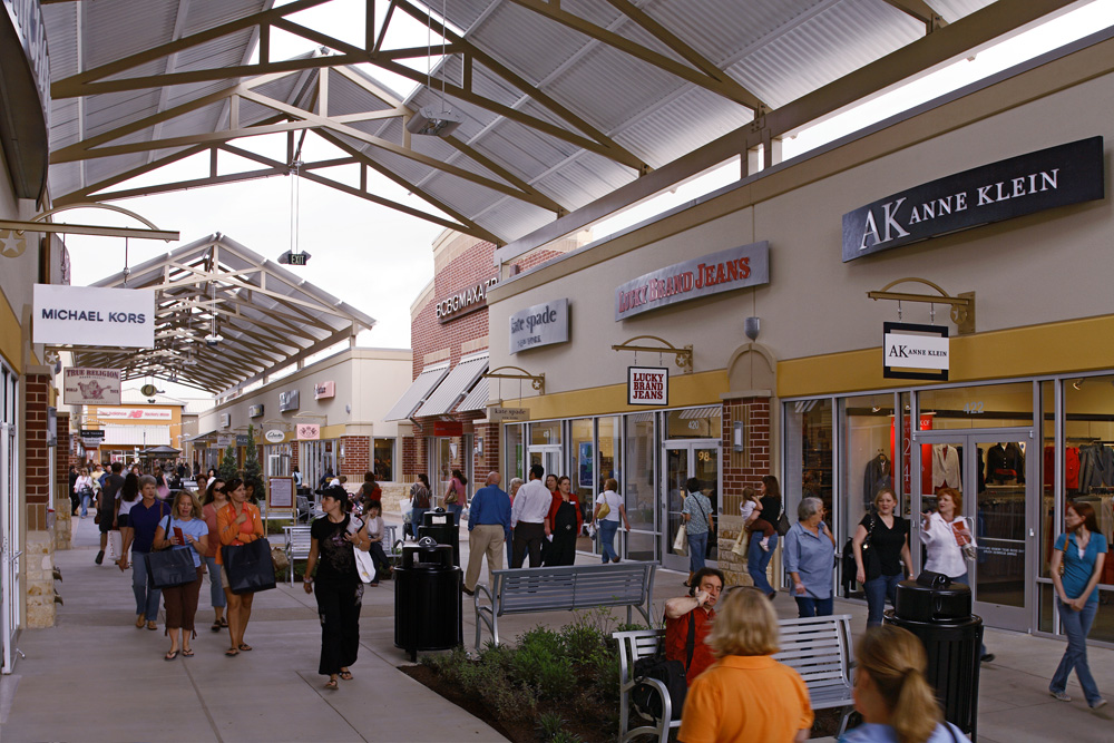 Outlets Malls Shopping