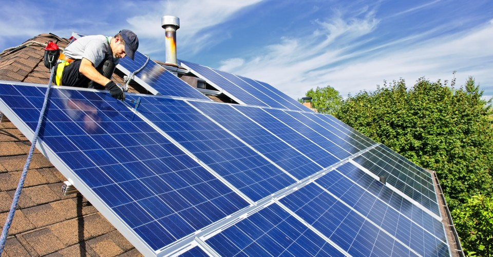 Solar Power- Your First Need to Reduce High Electricity Bills